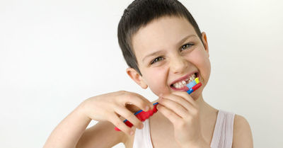 7 1/2 Ways to Teach Your Young Ones To Never Forget Brushing Their Teeth